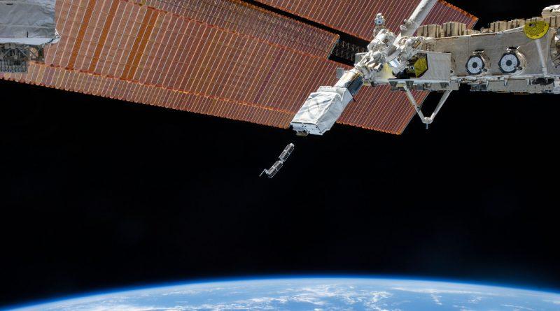 С борта МКС готовят к запуску спутники BOBCAT-1, NEUTRON-1, SPOC, DESCENT, SATLLA-1