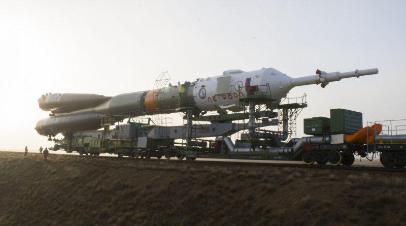 Ракета-носитель «Союз-ФГ» с пилотируемым кораблем «Союз МС-08» вывезена на стартовый комплекс площадки № 1 космодрома Байконур